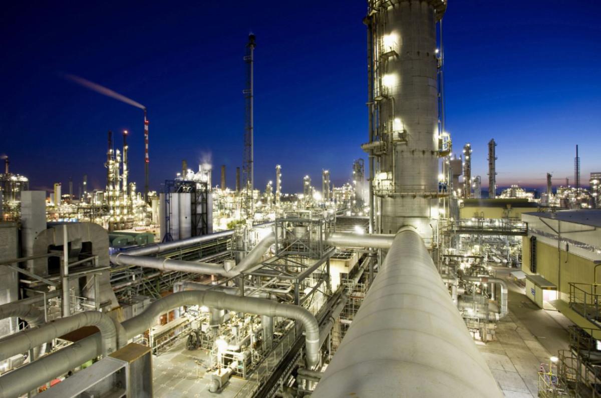 Kemisjka industriaja - BASF