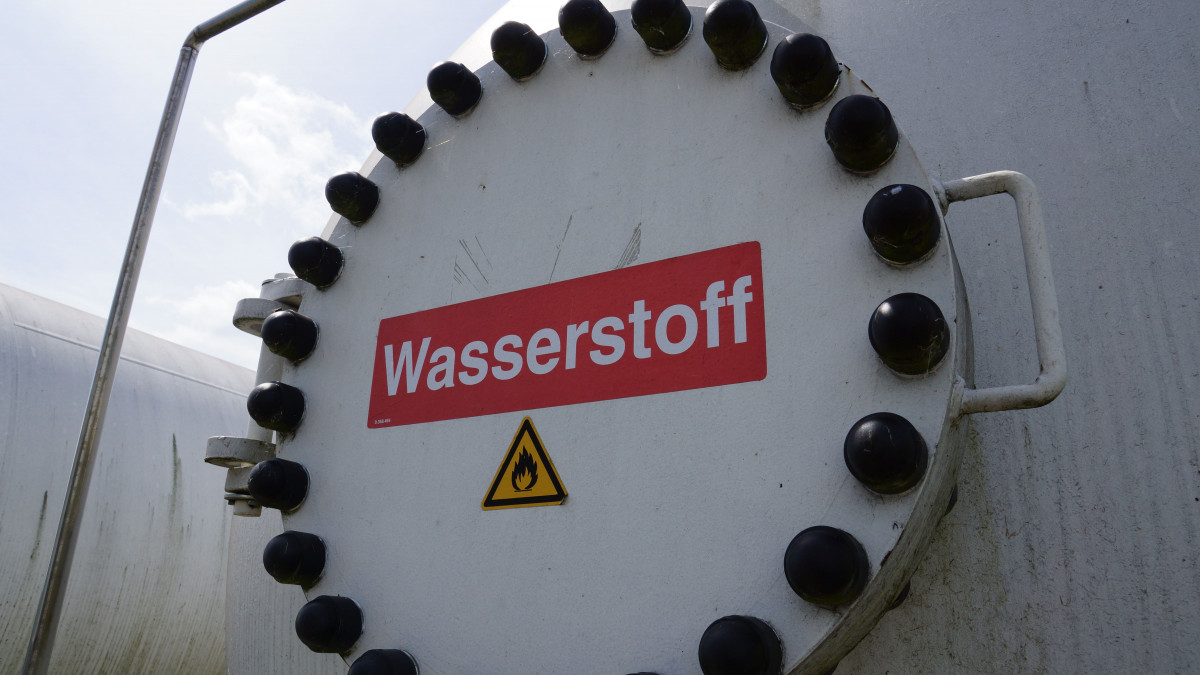 Photo shows hydrogen tank in Germany. Photo: CLEW.