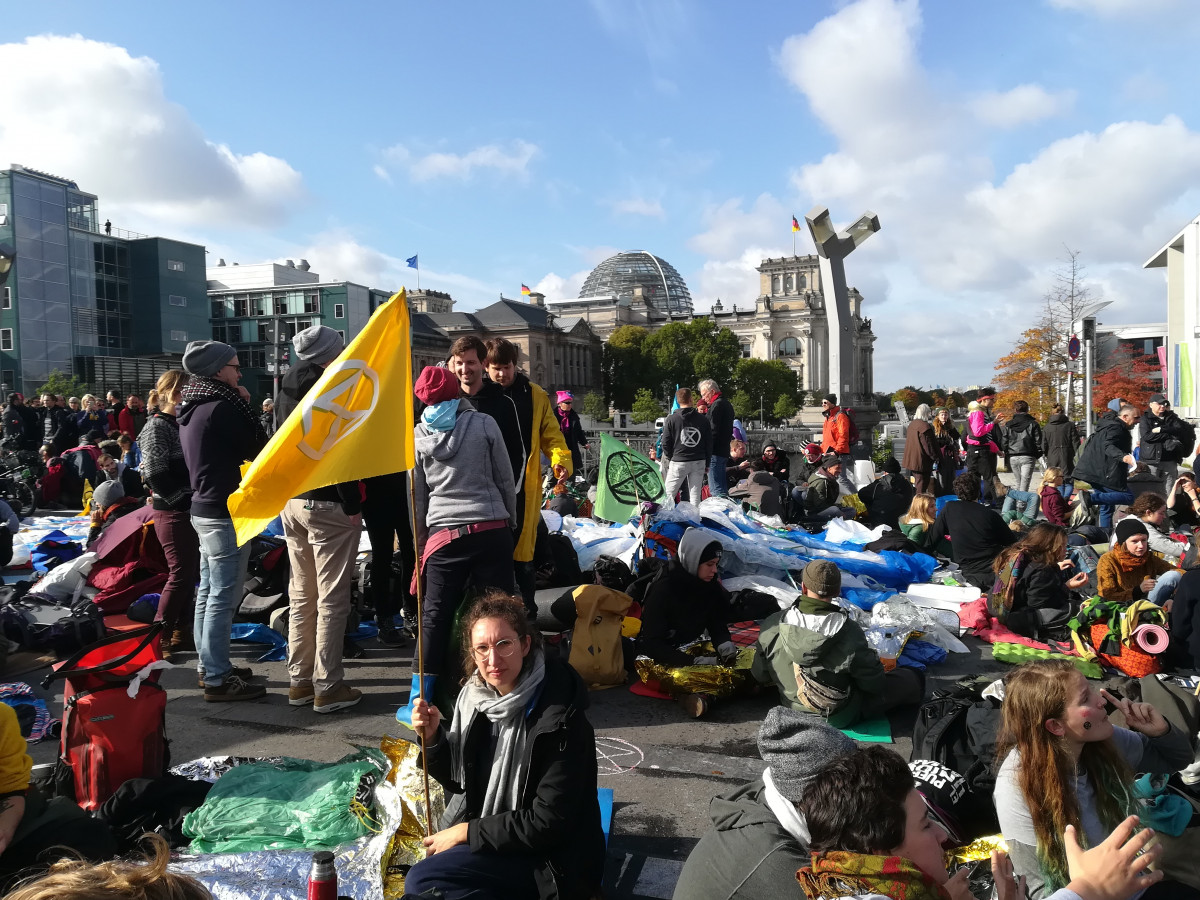 Extinction Rebellion protesters in the political centre of Germany's capital Berlin. Photo: CLEW/Wettengel.