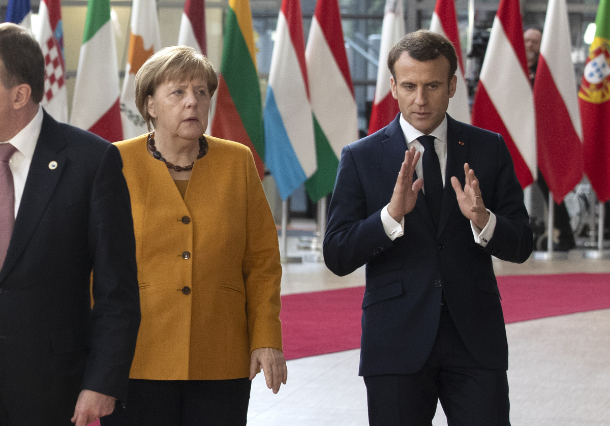 Photo of German Chancellor Angela Merkel (left) and French President Emmanuel Macron at the European Council summit in Brussels on 22 March 2019. Source: European Union.