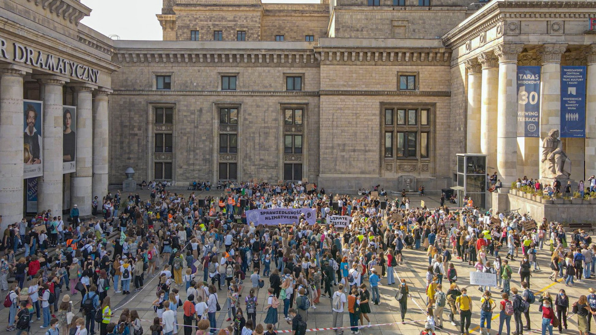 Demonstration by Youth Strike for Climate Poland in front of the Palace of Culture and Science in Warsaw, September 2020. Photo: Youth Strike for Climate Poland.
