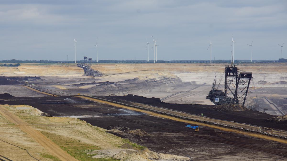 Photo of German lignite mine Garzweiler. Source - CLEW 2018.