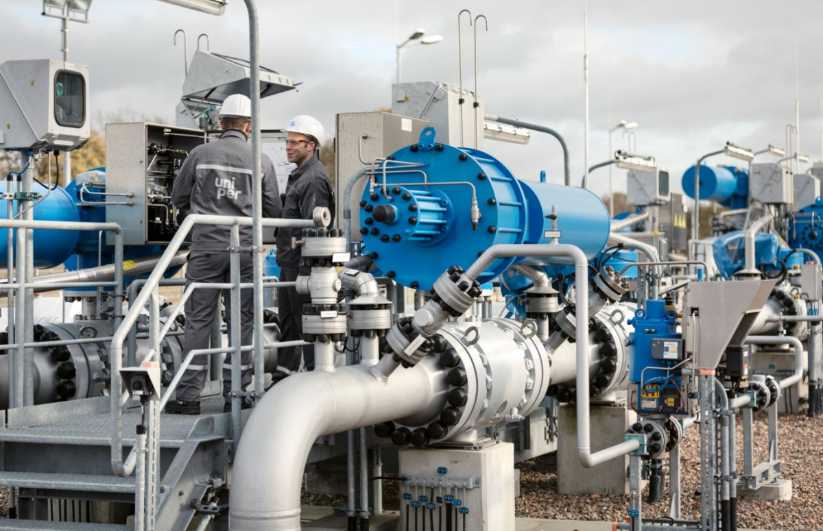 Employees of energy company Uniper at a gas storag facility. Photo: Uniper