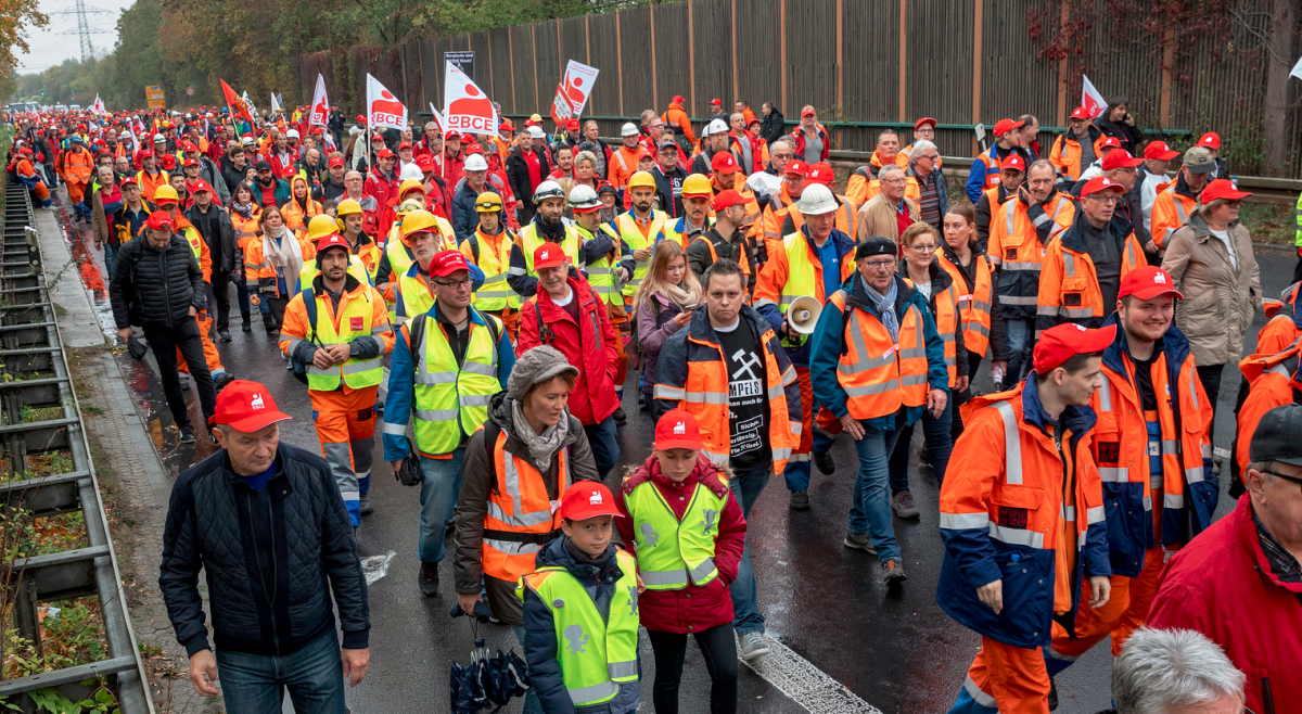 Protesters at a pro-coal demonstration by German labour union IG BCE in October 2018. Photo: Markus Feger/flickr