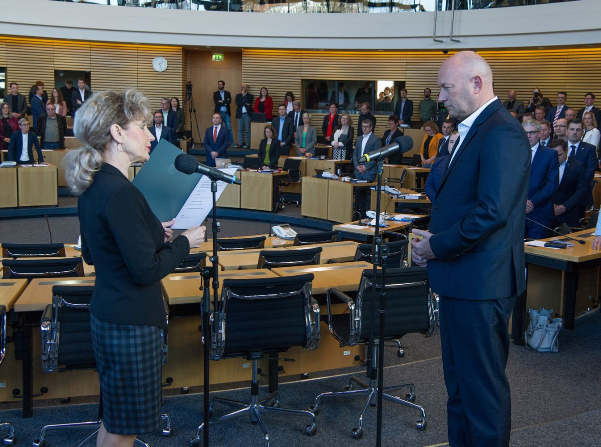 Swearing-in of Thomas Kemmerich (pro-business FDP) as state premier of Thuringia on 5 February 2020. Photo: Thüringer Landtag/Volker Hielscher.