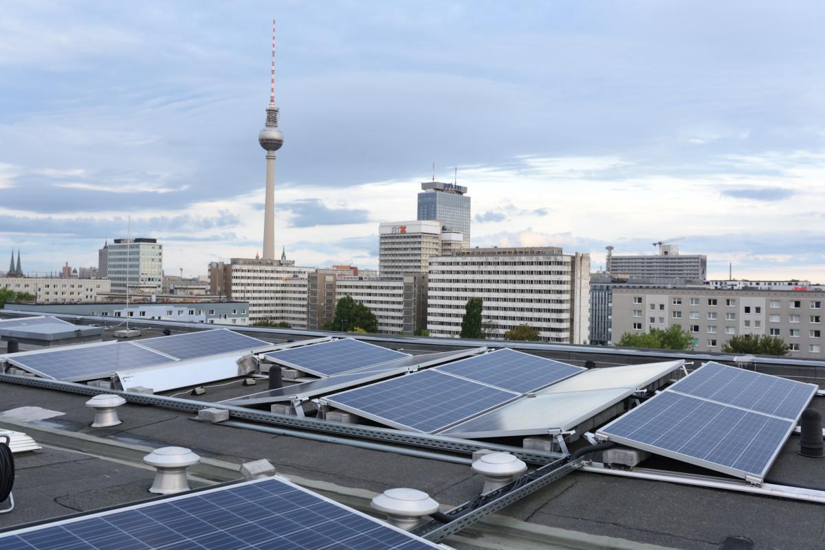 Solar panels on a listed building near Berlin's famous Alexanderplatz. Photo: Berliner Stadtwerke / Darius Ramazani /