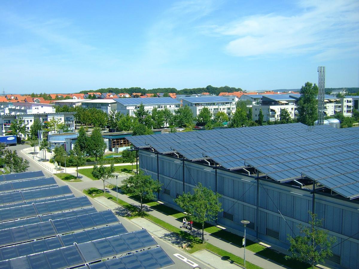 Rooftop solar panels in Neckarsulm, southern Germany. Photo: Joachim Köhler / wiki