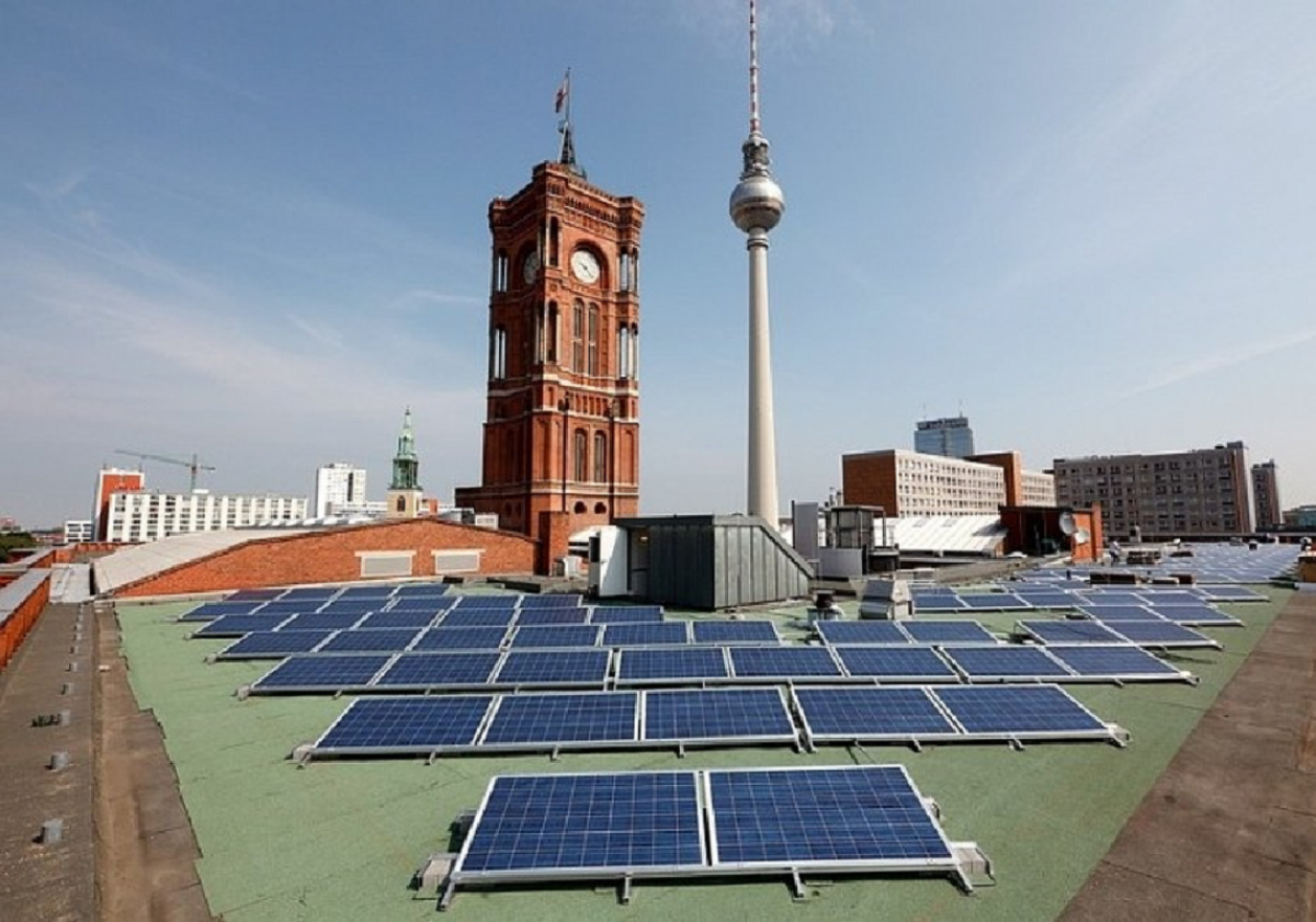 A mass roll-out of solar power and other renewables could help resuscitate economic activity across Germany and Europe. Photo: Berliner Immobilienmanagement GmbH
