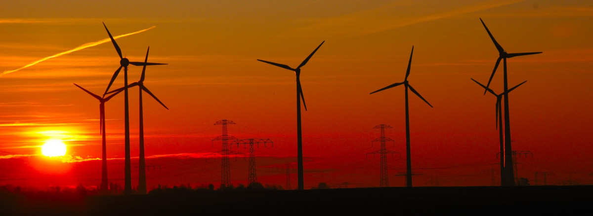 Photo shows wind turbines in Germany. Source: SWM.