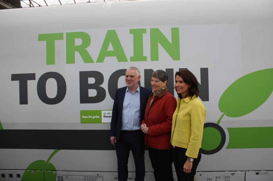 State secretary Jochen Flasbarth, Germany's environment minister Barbara Hendricks and parliamentary state secretary Rita Schwarzelühr-Sutter in front of the Train to Bonn. Source - CLEW 2017.