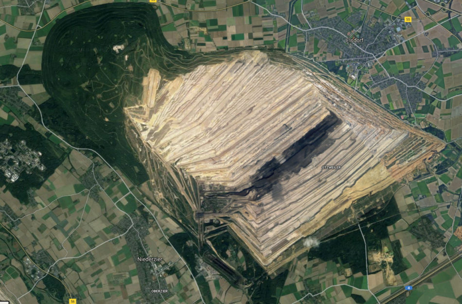The embattled remainder of the Hambach Forest lies on the mine's bottom right corner. Photo: Google Maps.