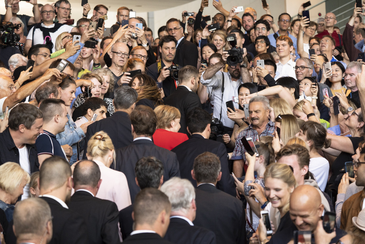 Photo shows German chancellor Angela Merkel at the open house at her chancellery. Photo: Bundesregierung/Plambeck.