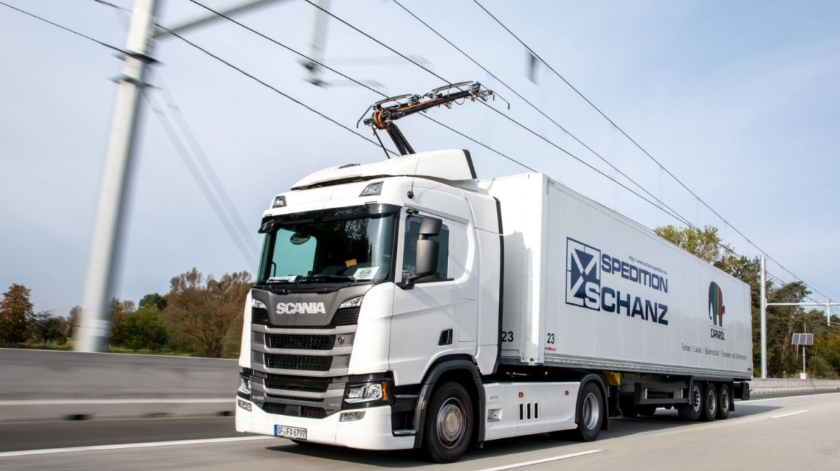 A catenary truck. Image by Siemens