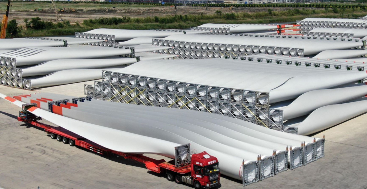 Wind turbine blades in China's Jiangsu province, destined for North and South America (Image: Alamy)