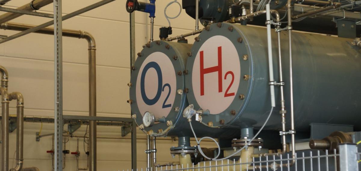 An ENERTRAG electrolyser pilot plant in Prenzlau. Photo CLEW