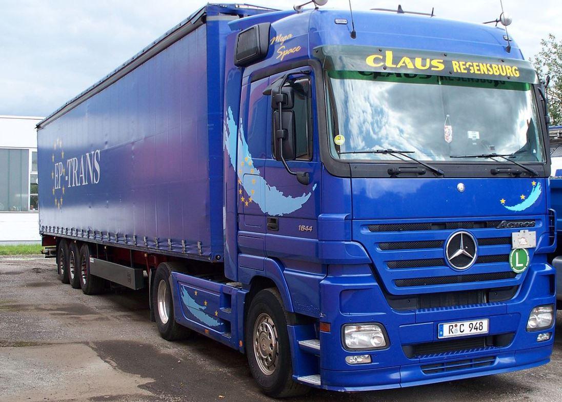 A conventional European semi-trailer. Image wikipedia